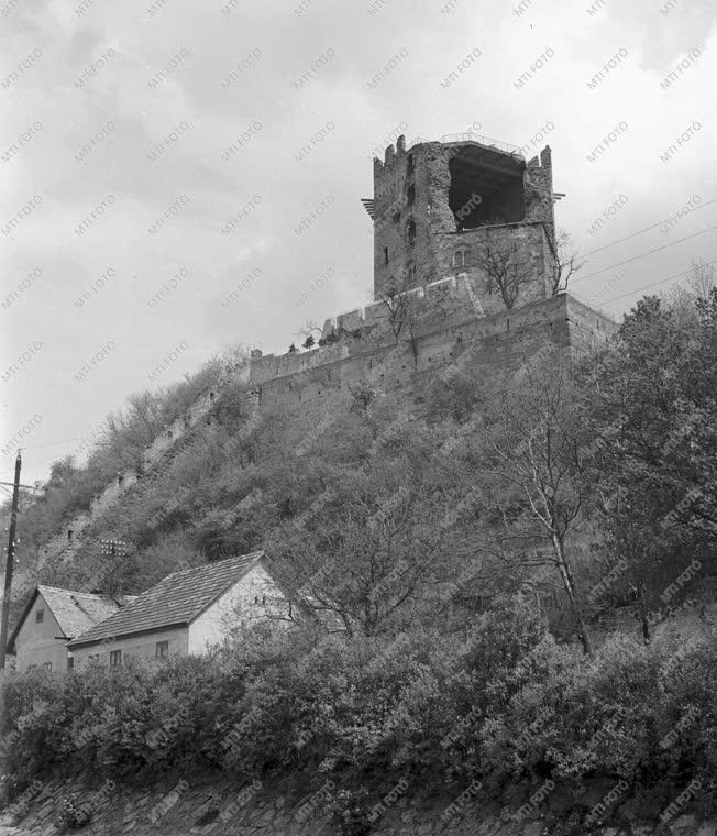 Műemlék - Salamon-torony - Műemlék-helyreállítás
