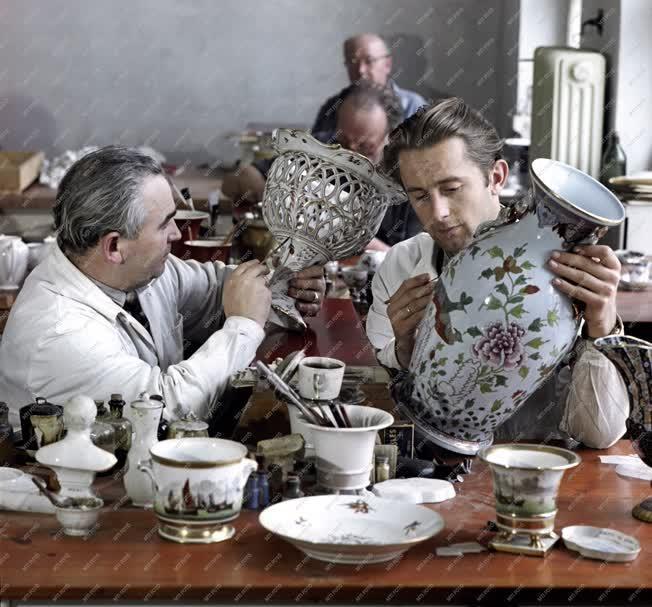 Hungarikum - Porcelánfestés - Herendi porcelánvázák