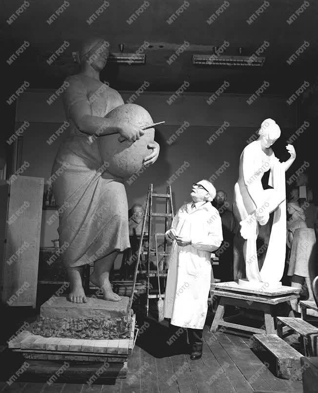 Képzőművészet-szobrászat