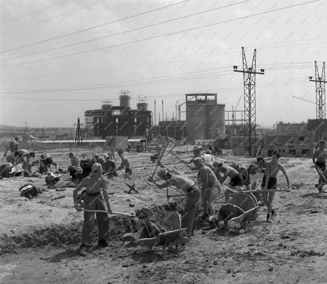 Ipar - Építőipar - Diákmunka - Váci Dunai Cementmű