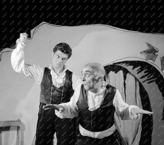 Kultúra - Balett - De Palla: Háromszögletű kalap
