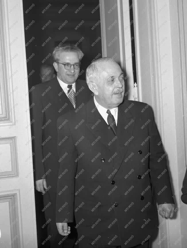 Diplomácia - Szovjet-magyar kapcsolatok - Fogadás