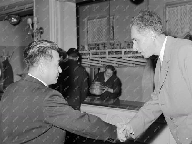 Külkapcsolat - Korea felszabadulásának 16. évfordulója