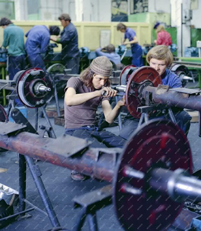 Oktatás - Szakmunkásképzés - Tanműhely