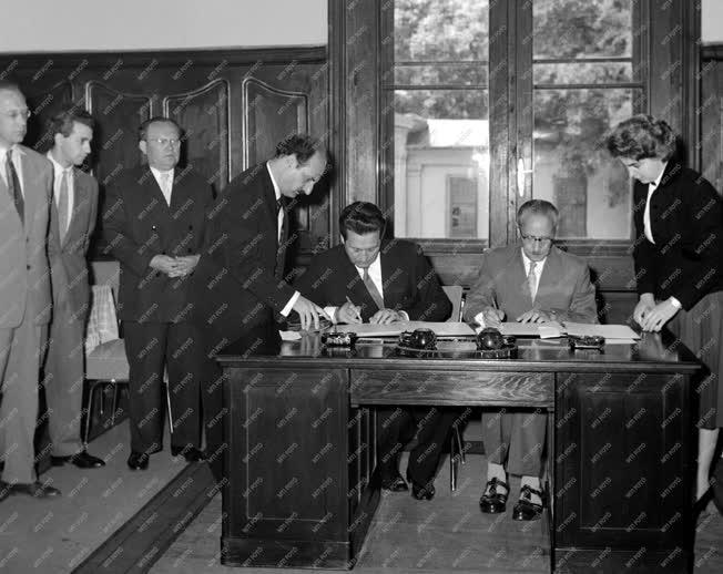 Külkapcsolat - Média - Magyar-szovjet rádió és televízió egyezmény