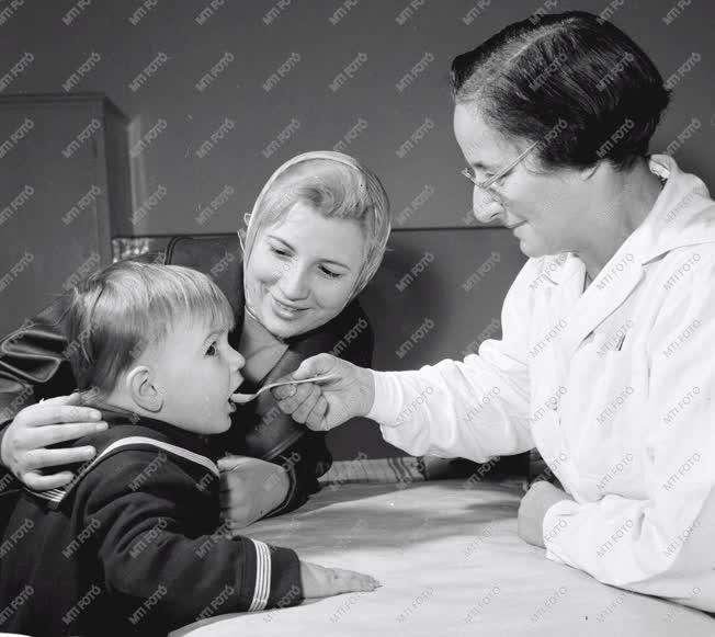 Egészségügy - Védőoltás - Sabin-cseppek