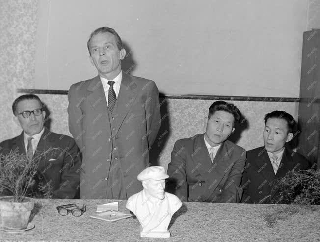 Kultúra - Han Szer Ja koreai író emlékestje