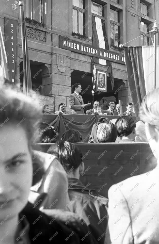 Belpolitika - Választási nagygyűlés Szekszárdon