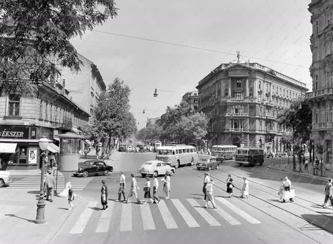 Városkép - Budapest - Bajcsy-Zsilinszky Endre út