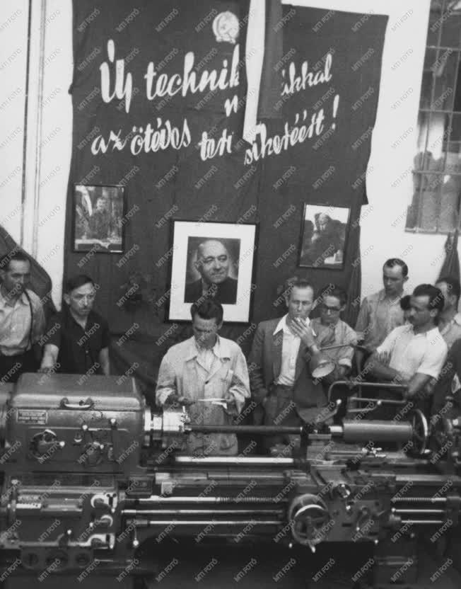 Ipar - Szovjet gyártmányú esztergagép