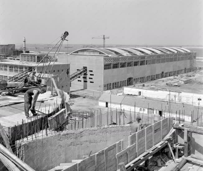 Ipar - Építkezés - Tiszamenti Vegyiművek