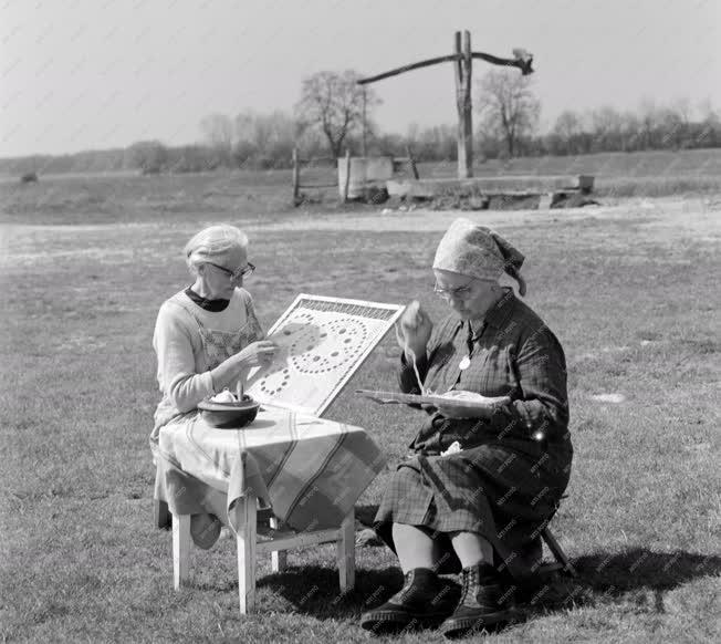 Kultúra - Népművészet - Höveji csipke