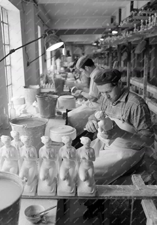 Ipar - Hollóházi Porcelángyár - Új dísztárgyak