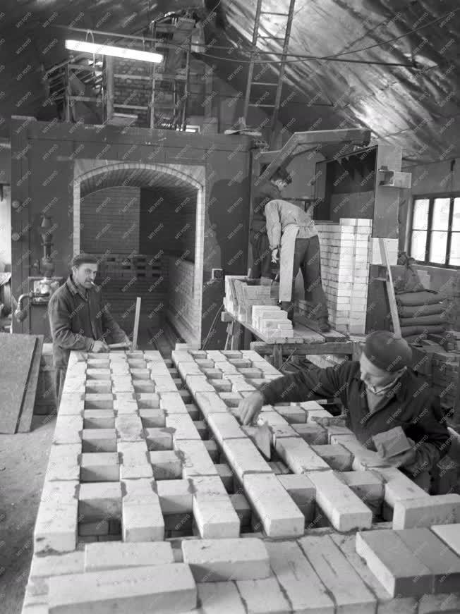 Ipar - Herendi Porcelángyár fejlesztése - Gázkemence