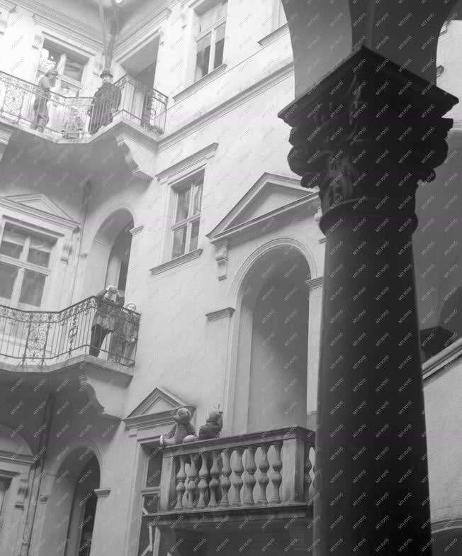 Ingatlan - Felújított régi épület a Marx téren