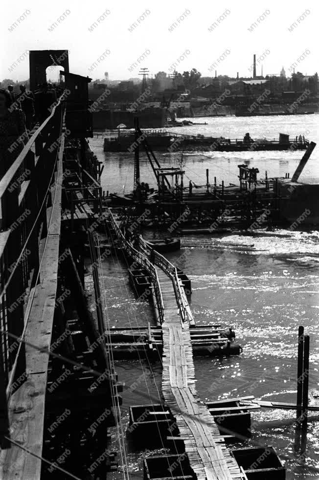 Közlekedés - A déli összekötő vasúti híd újjáépítésének szemléje