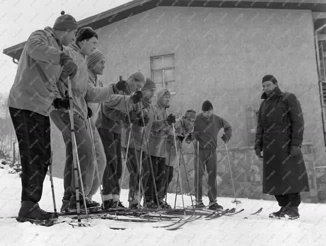 Sport - A téli Mátrában edz a kajak-kenu válogatott