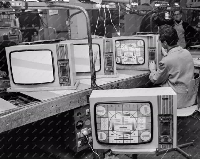 Ipar - Videoton televíziókészülékek