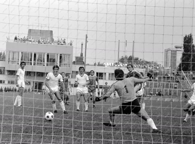 Sport - Ferencváros-Tatabányai Bányász labdarúgó-mérkőzés