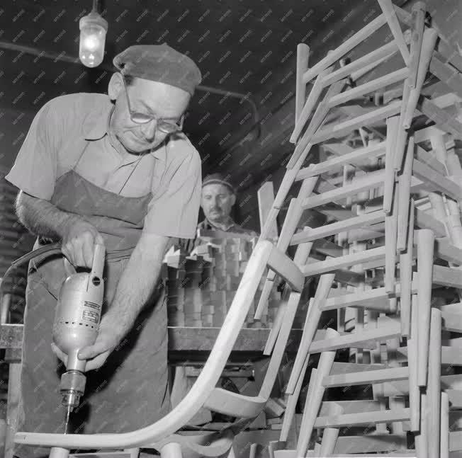 Ipar - Székgyártás