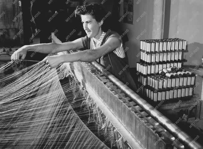 Ipar - Textilipar - Tolnai Selyemfonógyár