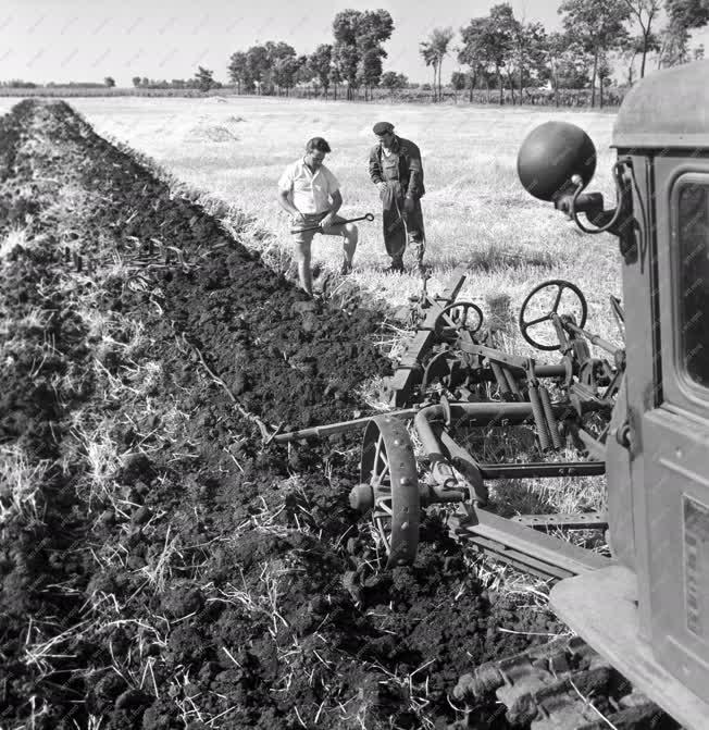 Mezőgazdaság - Mélyszántás