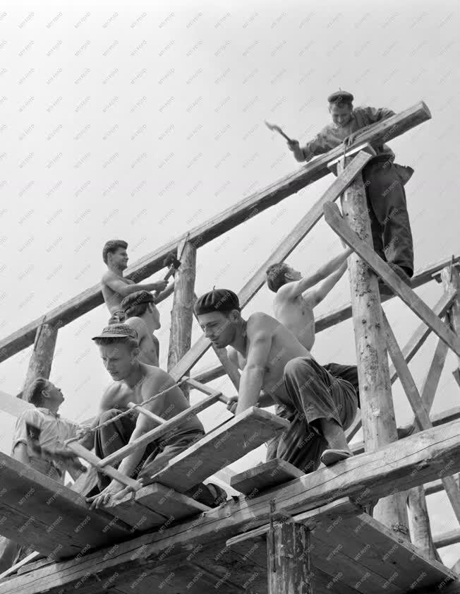 Építőipar - Vízkiviteli mű állványzatkészítése