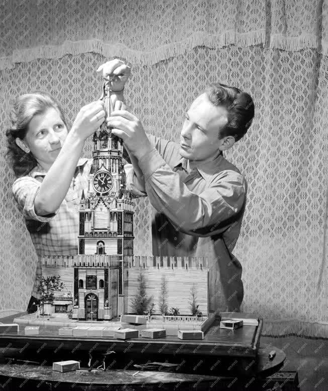 Hobbi - Gyufavár építők - Kreml-makett