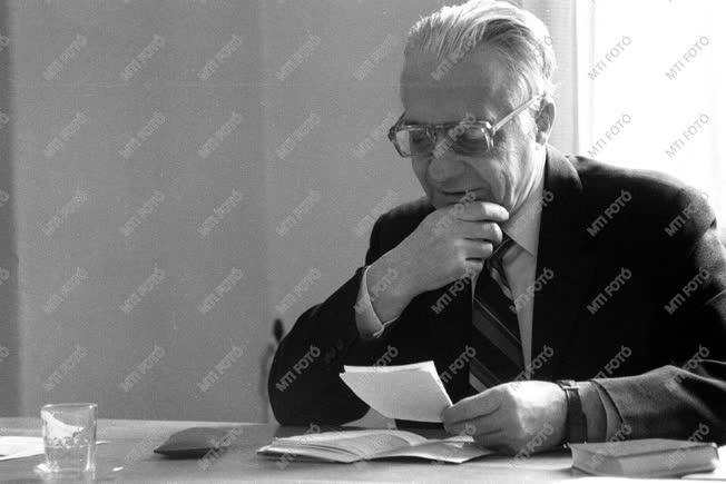 Király István Kossuth- és állami díjas  irodalomtörténész