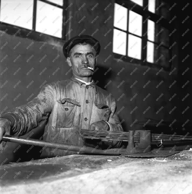 Ipar - Kossuth-díjas - Kovács Lajos sztahanovista