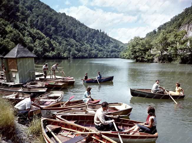 Nyaralás - Csónakázók