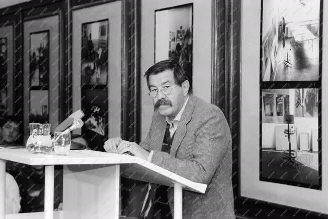 Kultúra - Irodalom - Günter Grass német író felolvasóestje