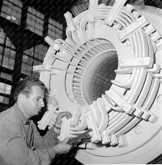 Ipar - Gépgyártás - Klement Gottwald Villamossági Gyár