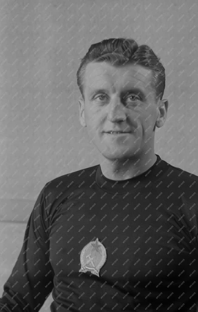 Sport - Labdarúgás - Aranycsapat - Oláh Géza