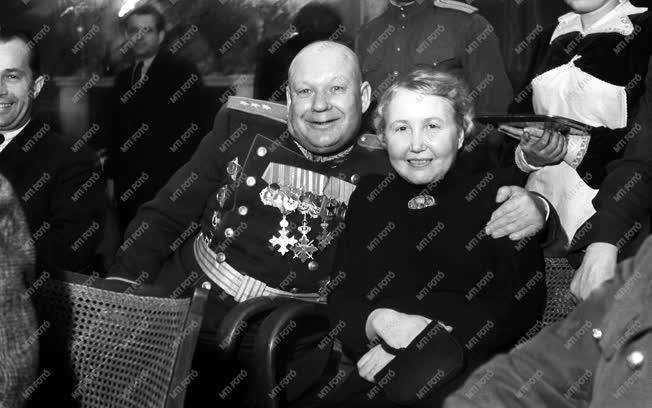Külkapcsolat - Díszvacsora Vorosilov tiszteletére