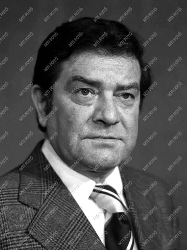 Kovács János színész