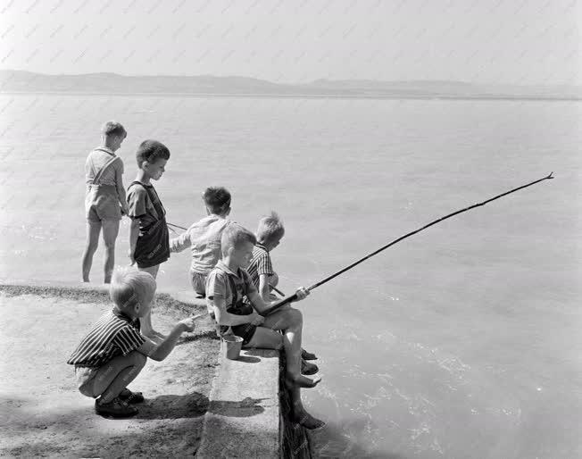Vakáció - Gyerekek nyaralnak a MEDOSZ üdülőben