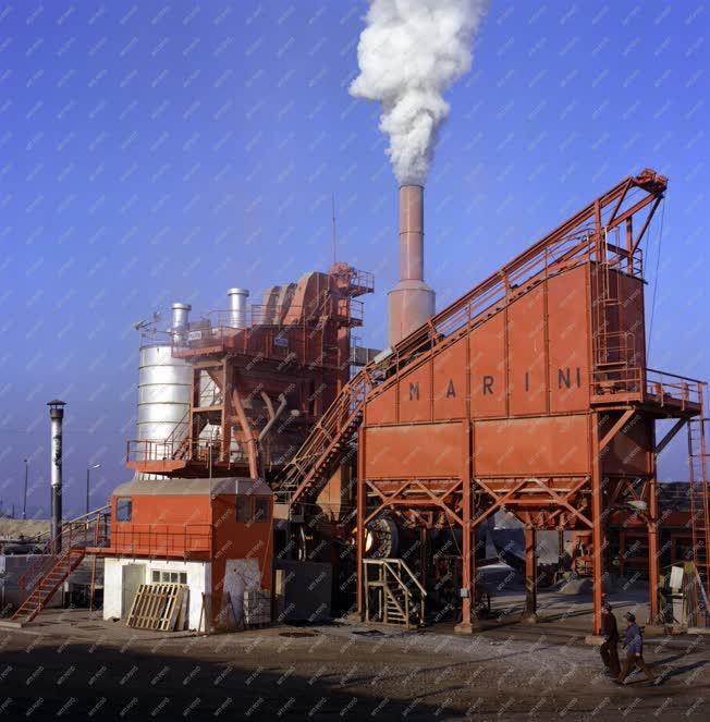 Ipar - Aszfaltkeverő telep Veresegyházán