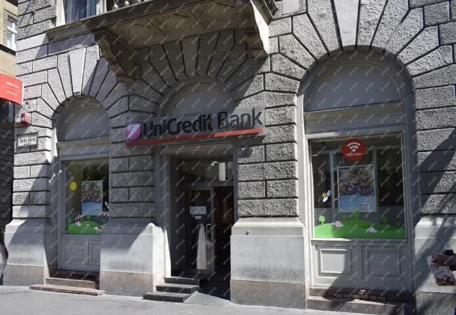 Városkép - Budapest - Unicredit Bank