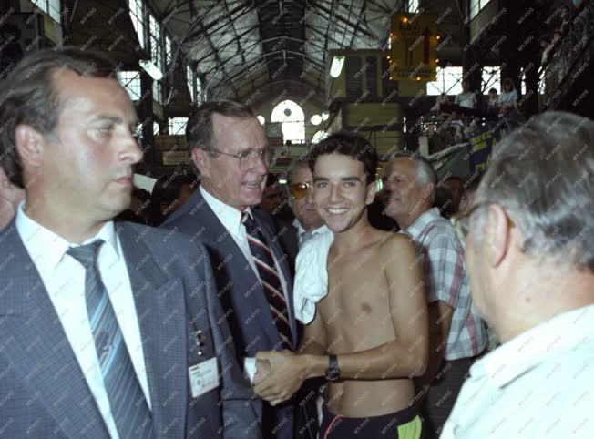 Külkapcsolat - George Bush Budapesten