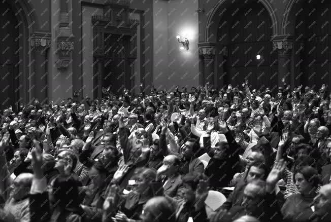 Közélet - A Magyar Írók Szövetsége közgyűlése