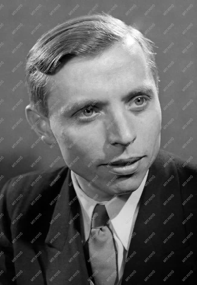 Ünnep - Az 1955. évi Kossuth-díjasok - Simon István