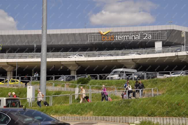Közlekedés - Budapest - A Liszt Ferenc nemzetközi repülőtér