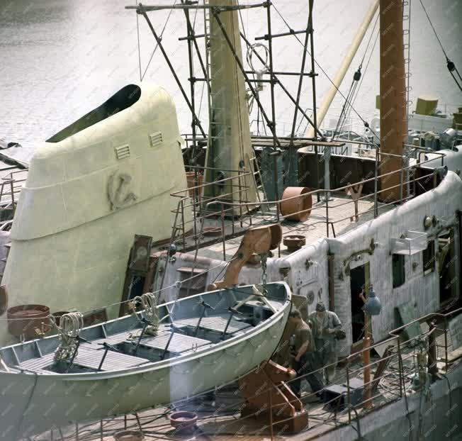 Ipar - Gheorghiu Dej Hajógyár