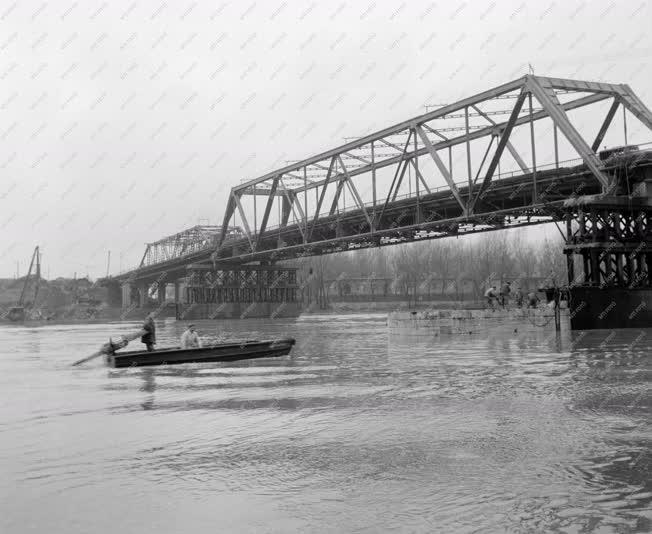 Építőipar - Tisza híd építése