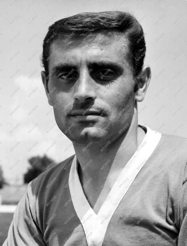 Sport - Karába János labdarúgó