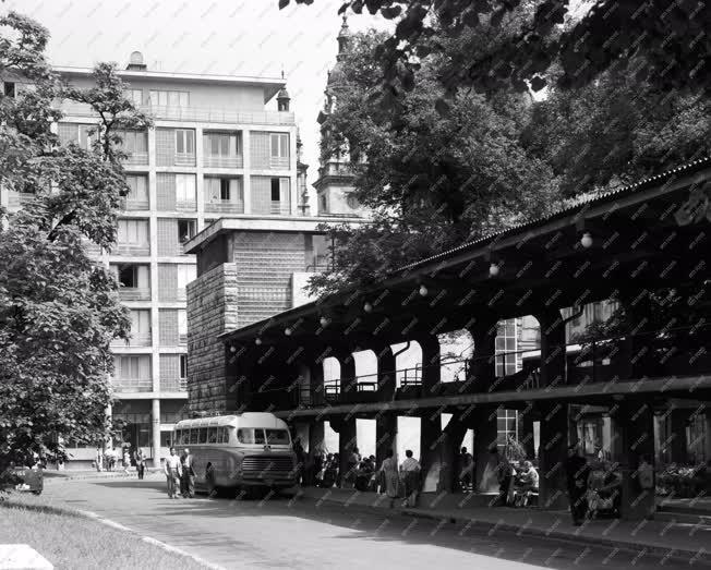Városkép - Budapesti képek - Az Engels téri buszpályaudvar