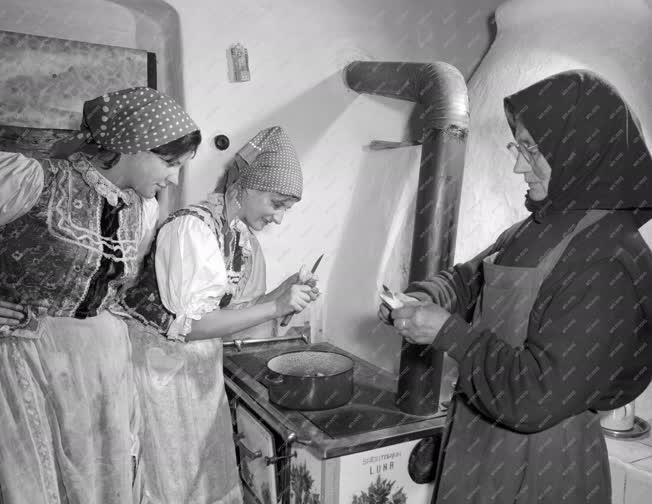Hagyomány - Farsangi népszokások Novaj községben