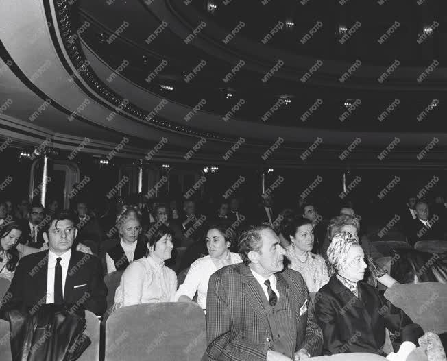 Kultúra - Ünnepi társulati ülés a Fővárosi Operett Színházban