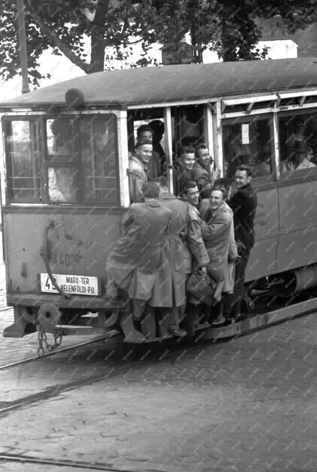 Életkép - Budapesti pillanatképek